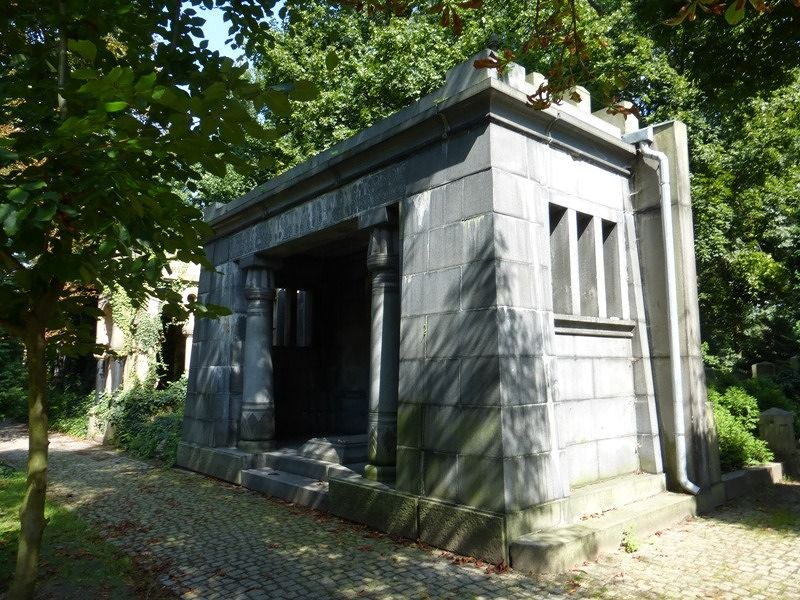 large_7156860-Jewish_Cemetery_Impressions_1_Wroclaw.jpg