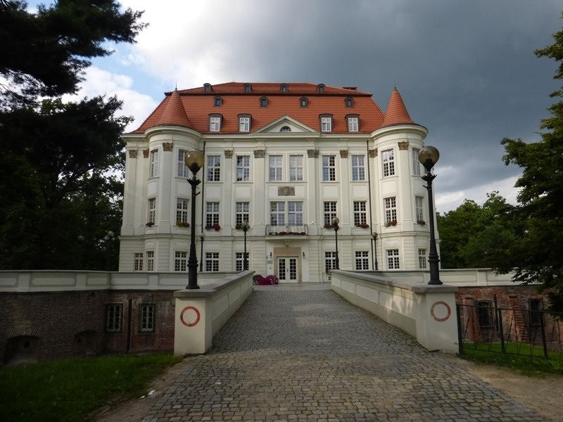 large_7169525-LESNICA_The_Palace_Wroclaw.jpg