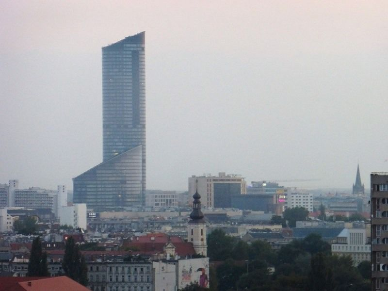 large_7170286-Skytower_and_the_City_Wroclaw.jpg