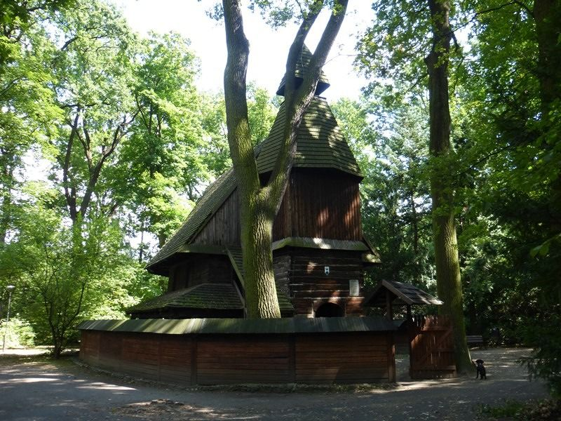 large_7176227-Little_Wooden_Church_Wroclaw.jpg