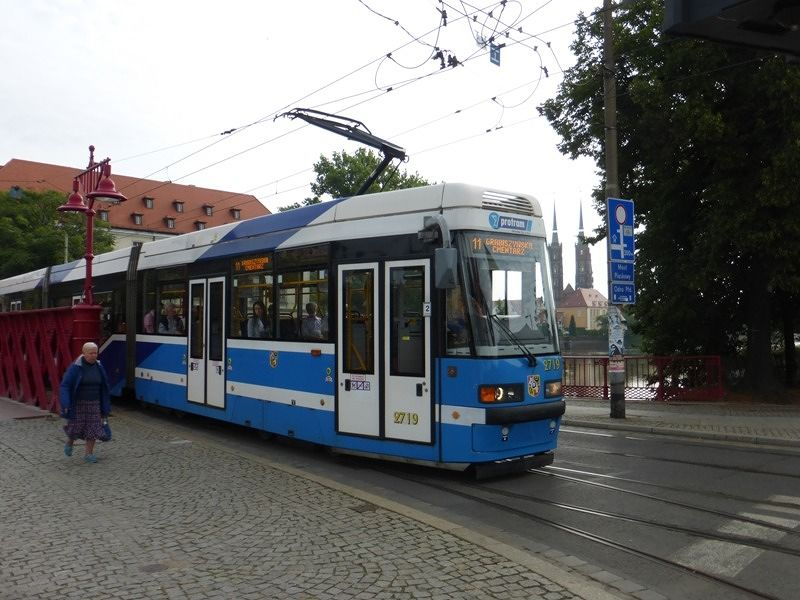 large_7179978-The_Tram_Network_Wroclaw.jpg