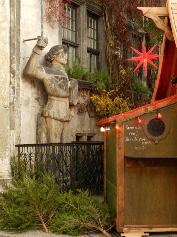 Roland statue during Christmas market - Quedlinburg