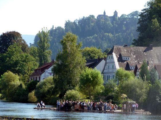 large_898181654917248-The_raft_on_.._Gernsbach.jpg