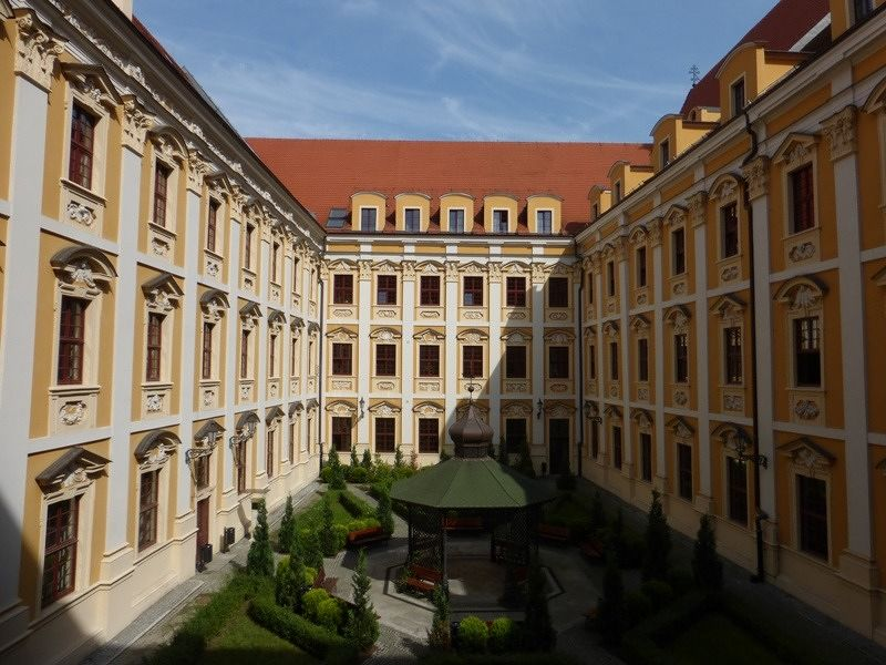 large_994494377179944-Faculty_of_P..nt_Wroclaw.jpg