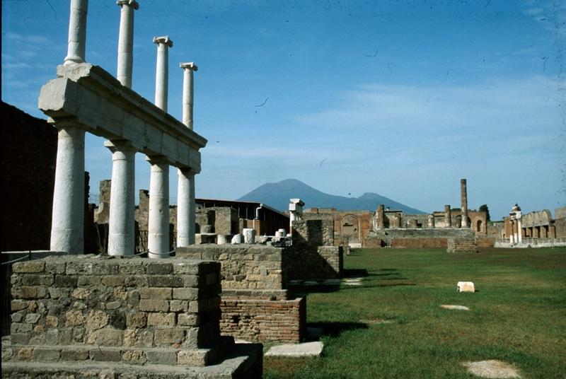 large_pompeii1.jpg