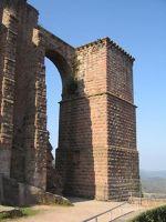 3950488-Trifels_Castle.jpg