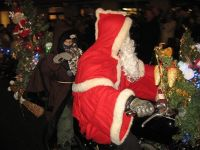4291346-Harley_Santa_Claus_parade_Basel.jpg