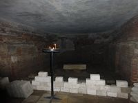 7156830-The_crypt_Wroclaw.jpg