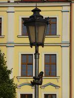 7166277-Lantern_climber_in_Plac_Solny_Wroclaw.jpg
