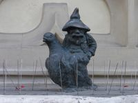 7166286-Gnomes_in_and_around_Rynek_Wroclaw.jpg