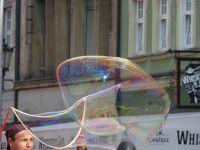7175380-Soap_Bubbles_in_Rynek_Wroclaw.jpg