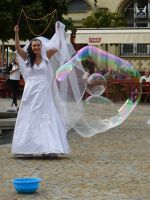 7175390-Soap_Bubble_Making_in_Rynek_Wroclaw.jpg