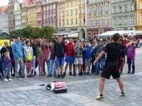 7180199-Street_Artists_in_Rynek_Wroclaw.jpg