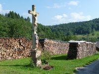 812796725816951-Crucifix_on_..h_Gaggenau.jpg