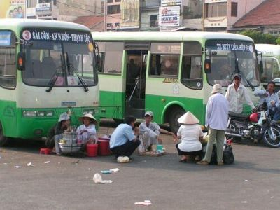 Saigon's bus drivers are the best customers - Ho Chi Minh City
