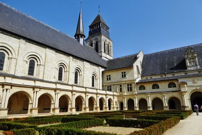 Fontevraud L'Abbaye Royale Cloisters