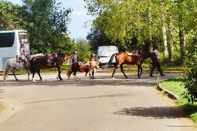 Bréca family returning from a ride