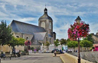 Quai de Verdun view of the church in Piriac-sur-Mer