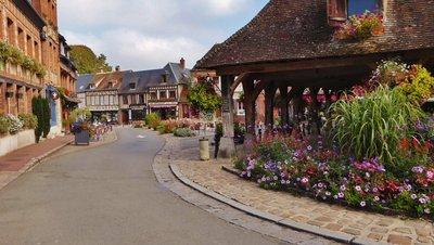 Place Benserade in Lyons-la-Forêt