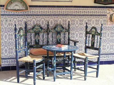 Tiles and tables in Provence - Parc Naturel Régional de Camargue
