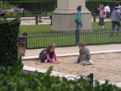 Lots of children in the sand - Luxembourg Gardens, Paris