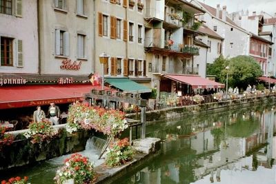 Annecy, cafes along the river - France