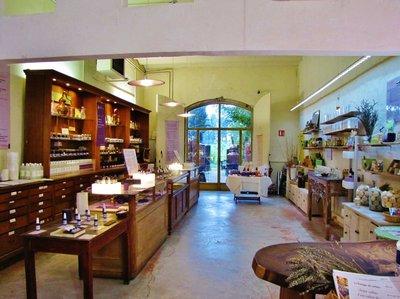 Gift shop in the Musée des Arômes du Parfum
