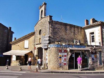 Chapelle des Penitents Blancs in Gordes
