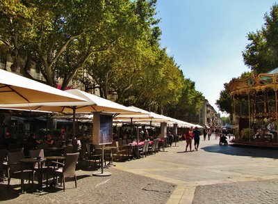 Place de l'Horloge in Avignon