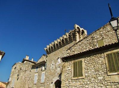 Porte d'Agel entrance to Noves Old Town
