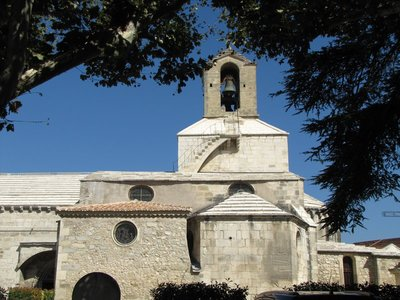 Eglise St. Baudile in Noves, France