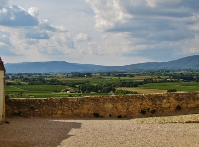 View from Eglise St. Martin-d'Ansouis attached to the Château