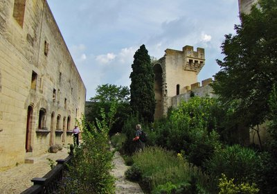 Garden inside Château de Tarascon
