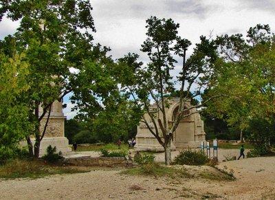Les Antiques beside the parking lot for Glanum