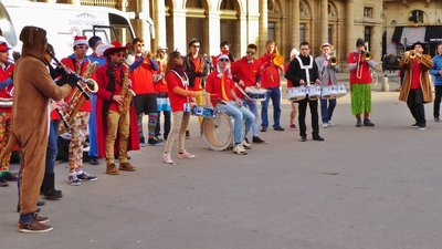 The Christmas Band again, now at Place du Palais-Royal by the Louvre