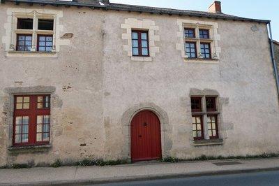 (2) Maison Rousseau de la Brosse