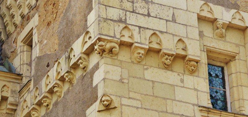 Château de Montriou - stone carvings