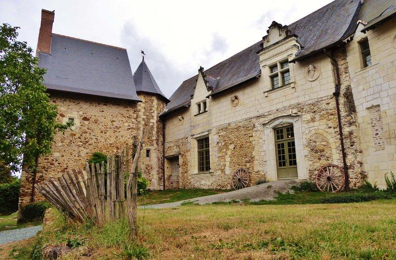 Priory at Saint-Rémy-la-Varenne