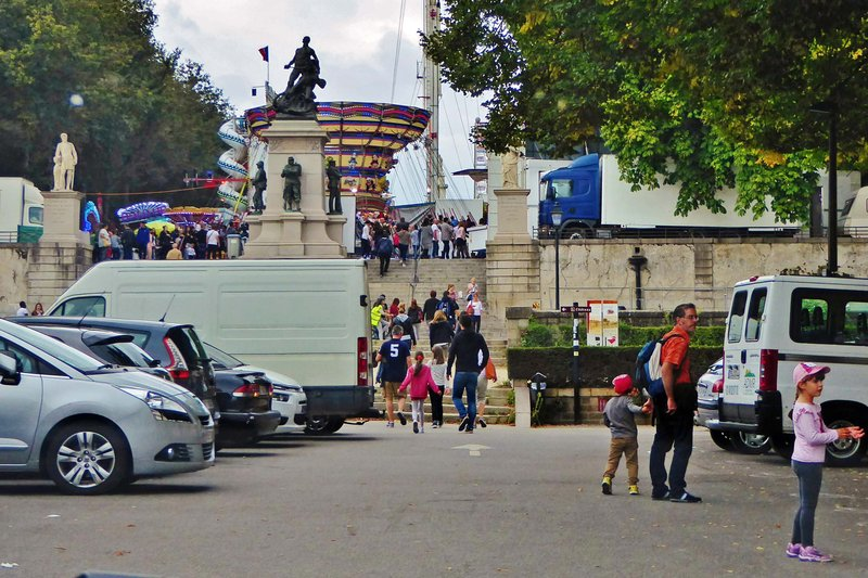 Carnival from the château parking lot