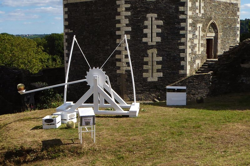 Catapult at Château d'Oudon