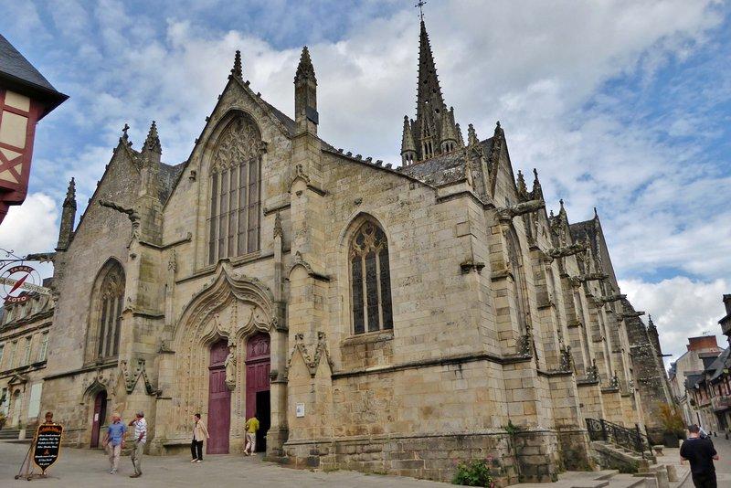 Basilique Notre Dame du Roncier in Josselin