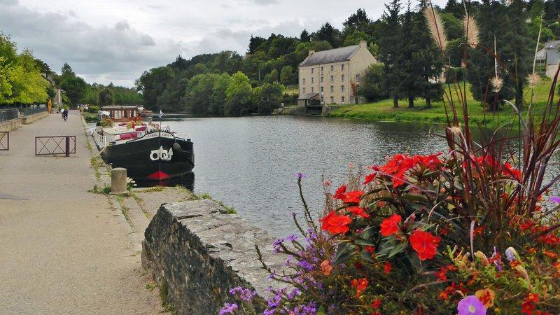 Nantes-Brest Canal in Josselin