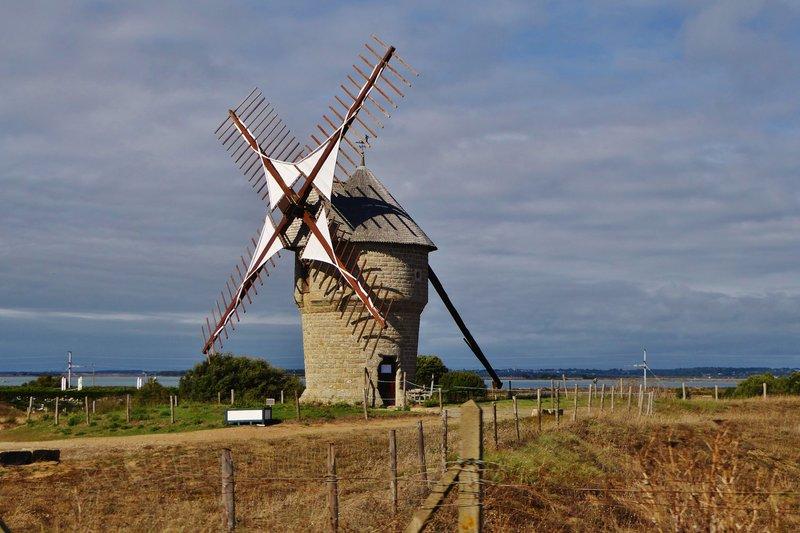 Moulin de la Falaise outside Batz-sur-Mer