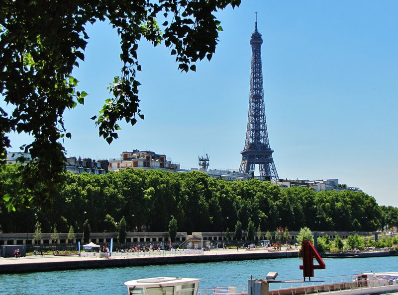 Berges of the Seine with the Eiffel Tower in the distance
