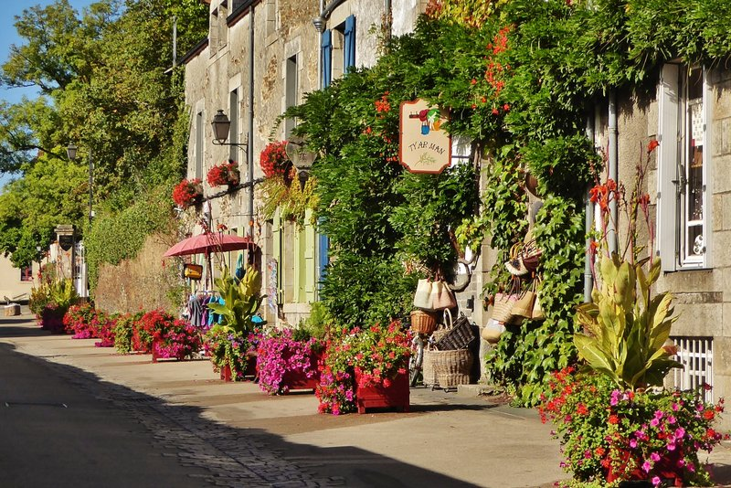 Shops near the Château