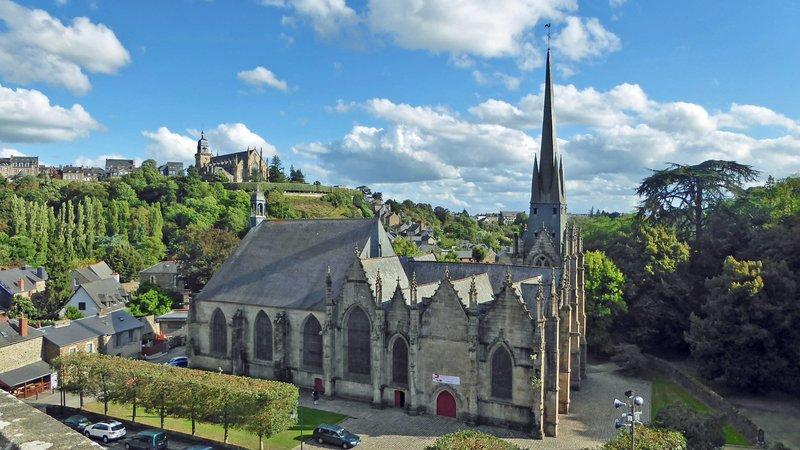 Eglise Saint Sulpice beside Château de Fougères