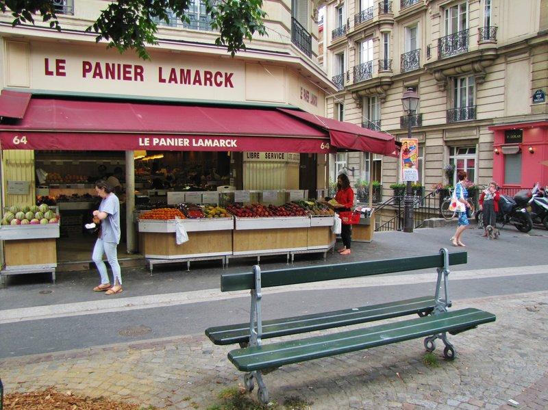 Le Panier Lamarck on rue Caulaincourt in Montmartre