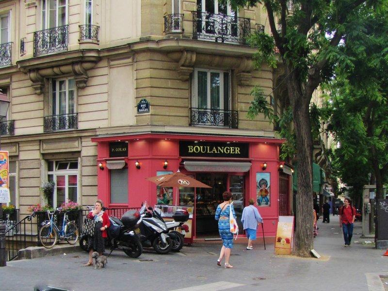 Boulangerie les Deux Frères on rue Caulaincourt in Montmartre