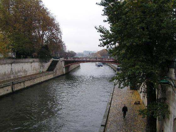 A quiet November in Paris