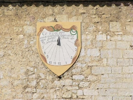Sun Dial on a wall - Tourette-sur-Loup